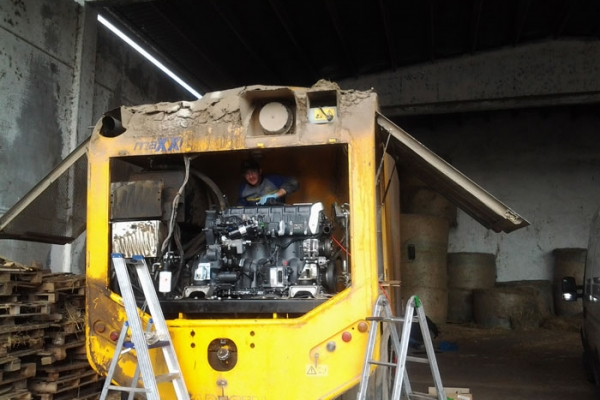 industriale-3E18C8A82-DB6C-EE96-AE0C-0B3590647D1F.jpg